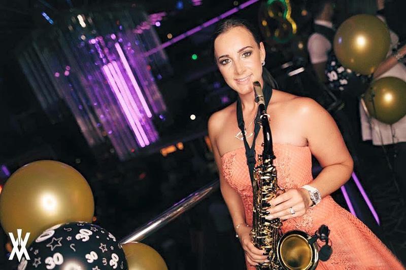 Club – Lady V Sax